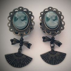 Royal Courtesan 11/16 Inch 18mm Dangly Plugs For by Glamsquared, $32.00
