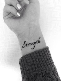 I've always wanted a tattoo with the names of my boys on each wrist, in cursive writing like this...been trying to convince the hubby that it will be tasteful