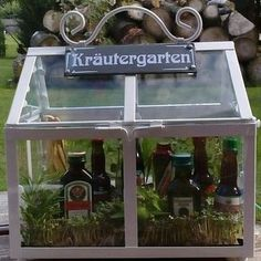 "alcoholic beverages (herb liqueurs) (""Kräutergarten"") Informations About fun + easy diy 'herb garden' gift basket incl. Diy Herb Garden, Garden Gifts, Beer Garden, Garden Ideas, Garden Basket, Garden Fun, Beer Gifts, Diy Gifts, Culture D'herbes"