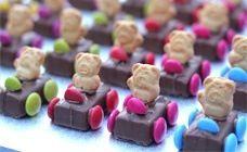 Mars Bar Car mini cakes/ treats. Use fun size choc. bars, tiny teddies and smarties! so easy, kids love 'em!!