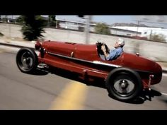 YouTube Jay Leno's Garage. 1932 Alfa Romeo Monza Replica. Holy Sh!t Jay, I can't believe it's new. Cool!