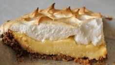 Sky-high pie recipes are a hit on dessert buffets all year long. Pair with fresh seasonal berries. Graham Cracker Cream Pie, Homemade Graham Cracker Crust, Banana Dessert Recipes, Pie Dessert, Dessert Ideas, Just Desserts, Delicious Desserts, Delicious Dishes, Health Desserts