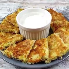Appetizer Recipes, Snack Recipes, Healthy Recipes, Vegan Cheese Recipes, Yummy Recipes, Party Food Platters, Food Dishes, Sweet Cooking, Food Carving