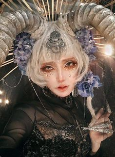 Foto Fantasy, Fantasy Art, Photo Reference, Art Reference, Mode Lolita, Fantasy Photography, Maquillage Halloween, Cosplay Makeup, Fantasy Makeup