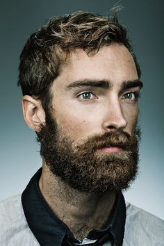 piercing green eyes + beard= hot stuff