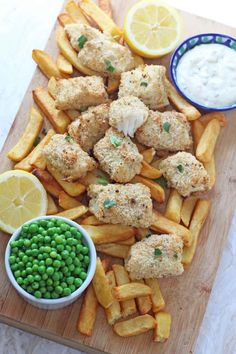 If there's one meal my kids will never tire of eating it's fish fingers. Getting any other type of fish into them is an epic battle but I could serve them fish fingers day in day out for dinner and I wouldn't hear a complaint! Super easy to make and really healthy too, your kids are sure to love my recipe for these Lemon & Herb Fish Fingers. #fishfingers #fishrecipesforkids #dinnerideasforkids #foodforkids