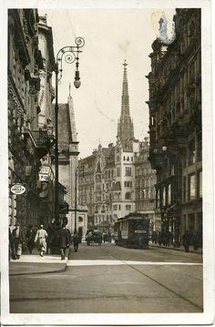 1925 Vienna, Tegetthoffstraße _ 1925 Bécs, Tegetthoffstrasse_photo by Vienna Austria, Old City, Rue, Time Travel, Hungary, Old World, Old Photos, Street Photography, Retro