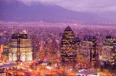 Emoldurada pelas imponentes Cordilheiras dos Andes, Santiago tem um visual único