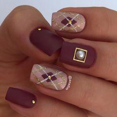 Argyle pattern nail design #nails #nailsofinstagram #nailsdesign #nailart #nailstyle #nailsaddict #nails2inspire #nailsdone #mattenails