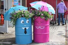 40+ Creative DIY Garden Containers and Planters from Recycled Materials --> DIY Kerosene Drum Planters