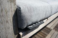 Sit & Heat verwarmde maatkussens voor je tuin of balkon. Warme billen! Met de knop kan je je eigen warmte bepalen