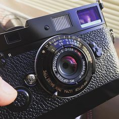 Rocking the new Apoqualia 28mm Black paint today. #cameraporn #filmcamera #leica #leicacraft #shootfilm #buyfilm #japancamerahunter