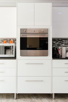 Carcass is from our exclusive Systomatic range and doors are PG Bison High Gloss Iceberg White