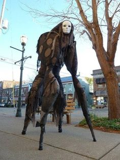 The essence of Halloween event is the creepy Halloween costumes ideas. We  share a collection of horror 78ffac7c14c72