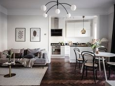 Adjacent kitchen and living room - COCO LAPINE DESIGNCOCO LAPINE DESIGN Living Room And Kitchen Combined, Open Plan Kitchen Living Room, Small Living Rooms, Living Room Decor, White Round Dining Table, Small Dining, Small Open Plan Kitchens, Dining Corner, Dining Room