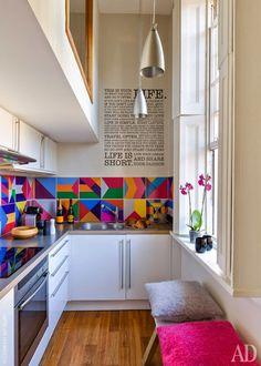 Jurnal de design interior - Amenajări interioare : Garsonieră de 25 m² cu pat deasupra holului