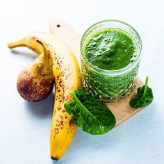freshly prepared green smoothies with banana pears and spinach. by irinagrigorii Healthy Diet Recipes, Healthy Habits, Crockpot Chicken Healthy, Food Concept, Food Backgrounds, Cooking Ingredients, Breakfast For Kids, Kiwi, Grapefruit