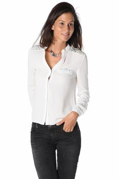 White shirt with sequin insert - 34,90 € - https://q2shop.com/