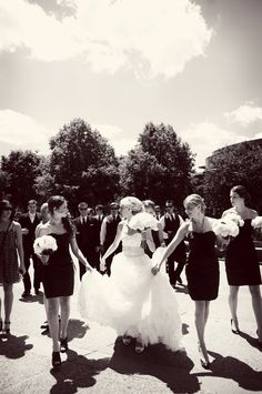 Friends are always there for you! Photo by Sarah M. #weddingphotographerminnesota #bridesmaids