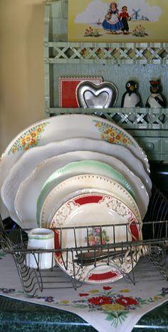 Vintage dish drainer