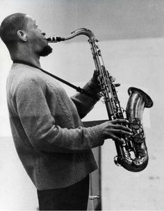 "Sonny Rollins"" is an American jazz tenor saxophonist, widely recognized as one of the most important and influential jazz musicians. Jazz Artists, Jazz Musicians, Music Artists, Jazz Players, Saxophone Players, A Love Supreme, Jazz Radio, Sonny Rollins, Cool Jazz"