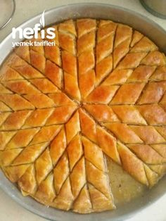 Very Easy Baklava Recipe for those who can not do How Easy? bu tarifin res Very Easy Baklava Recipe for those who can not do How to make? Meat Recipes, Mexican Food Recipes, Drink Recipes, Turkish Baklava, Baklava Recipe, Turkish Sweets, Vegetable Drinks, Healthy Eating Tips, Healthy Nutrition