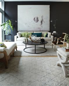 There are several black living room design ideas that can help you to remodel. Black living room design can combined with vibrantly colored accessories. Decor, Elle Decor, House Design, Family Room, Great Rooms, Living Room Designs, Interior, Living Decor, Home Decor
