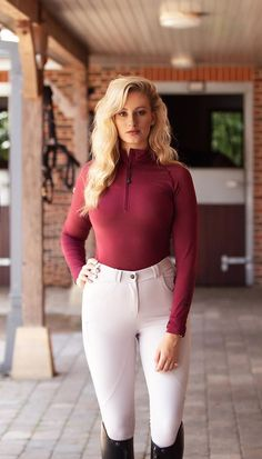 The most important role of equestrian clothing is for security Although horses can be trained they can be unforeseeable when provoked. Riders are susceptible while riding and handling horses, espec… Equestrian Chic, Equestrian Girls, Equestrian Outfits, Riding Breeches, Riding Pants, Farm Clothes, Clothes Horse, Armani Prive, Horse Girl