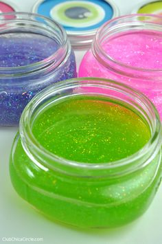 How to Make Glitter Slime with Chica Circle
