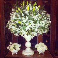 Lirios e hortensias brancas....clássico!