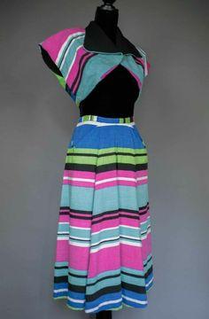 Incroyable #vintageplaysuit ou tenue de plage. Rare.