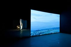 """Douglas Gordon – """"Full Circle"""" (2012), installation shot, single video channel for screen projection, full HD 16:9 Dolby 5.0, dimensions variable; image courtesy of the artist and Blain Southern"""