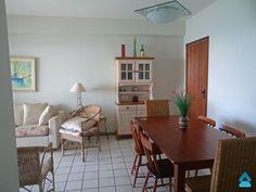 Apartamento à venda no Centro de Guarapari +55 (27) 3262-0792 +55 (27) 99515-0060 http://www.gilbertopinheiroimoveis.com.br/imovel/3435/apartamento-guarapari--centro   Apartamento à venda no Centro de Guarapari com 3 quartos sendo uma suíte, sala, cozinha, banheiro de serviço, banheiro social, varanda, sacada, área de serviço, mobiliado, móveis fixos, sol da manhã, frente para o mar, portaria 24 horas, 2 elevadores, uma vaga de garagem, área de lazer com piscina e churrasqueira.  Com boa…
