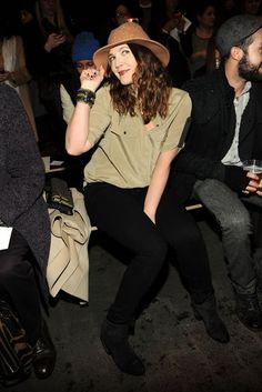 Drew Barrymore braved the blizzard to sit front row at Rag & Bone at NYFW 2013 | Click for more