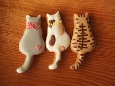 Great cat cookies by grue*press Cat Cookies, Fancy Cookies, Cut Out Cookies, Royal Icing Cookies, Cupcake Cookies, Sugar Cookies, Kitty Cupcakes, Iced Biscuits, Cookies Et Biscuits