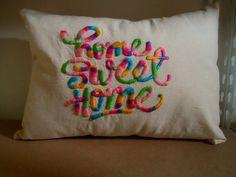 almohadones bordados a mano con lana
