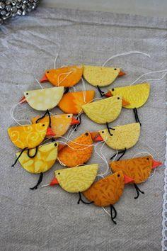 basteln ostern kindergarten - Sites new Easter Art, Easter Crafts, Felt Crafts, Fabric Crafts, Diy And Crafts, Craft Projects, Sewing Projects, Crafts For Kids, Arts And Crafts