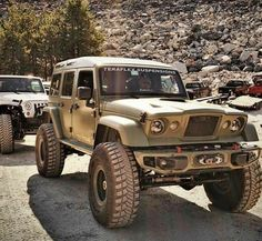 Jeep Wrangler with gladiator front and expedition hard top Jeep 4x4, Jeep Truck, Jeep Wrangler Tops, Jeep Wrangler Unlimited, Big Trucks, Pickup Trucks, Ford Trucks, Jeep Concept, Concept Cars