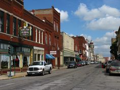 Sedalia, Missouri - visiting relatives :)  we only see the route to the state fair--need to look around at the town!