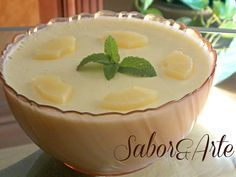 Mousse de Ananás | Sobremesas de Portugal Portuguese Desserts, Portuguese Recipes, Portuguese Food, Cake Boss, Flan, Deserts, Food And Drink, Pudding, Tasty
