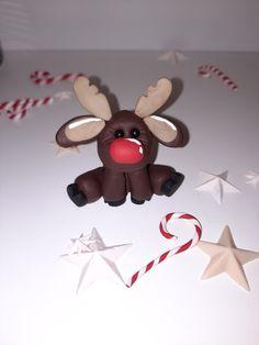 Supersüßes Rentier in 5 Minuten modelliert. Schau dir das Tutorial auf meiner Homepage lifora.art und kneten dein eigenes Fimo Lieblingstier. Für Anfänger geeignet. Christmas Ornaments, Holiday Decor, Home Decor, Art, Fimo, Reindeer, Play Dough, Advent Calenders, Artworks