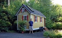 Above photo: Ross visiting Brittany Yunker's tiny house in Olympia, Washington