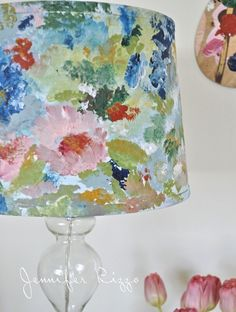 How to paint an artist's palette-inspired floral lampshade Hand painted watercolor lamp shade Floral Lampshade, Painted Lampshade, Lampshade Redo, Lace Lamp, Shabby Chic Lamp Shades, Rustic Lamp Shades, Grande Lampe, Painting Lamp Shades, Ideias Diy