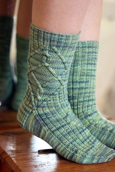 This pattern was originally designed exclusively for the TFA Year In Colour Club, May featuring the custom colour 'Willow' in Tanis Fiber Arts Fingering Weight yarn. Tanis Fiber Arts, Knitting Socks, Knit Socks, Color Club, Finger Weights, Stockinette, Baby Sweaters, Knit Patterns, Tatting