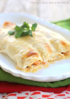 Creamy Shrimp Enchiladas  I would like to try these, but I think they would need more seasoning.