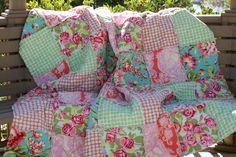 Picnic Quilt/tablecloth, colours & patterns love