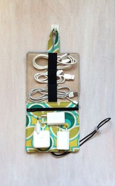 Travel case for all cables, practical travel accessory / travel organizer for el. Fabric Crafts, Sewing Crafts, Sewing Projects, Craft Projects, Cord Organization, Travel Organization, Creation Couture, Sewing Hacks, Sewing Tips