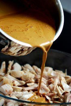 Svärmors goda kycklinggryta. Tröttnar aldrig på denna rätt, det är såååå gott!! Och alldeles utmärkt som lchf-rätt med en stor god sallad till och en näve cashewnötter på. MUMS! Man gör denna rätt …