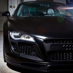 Pay close attention to detail | Carbon Fiber Audi R8