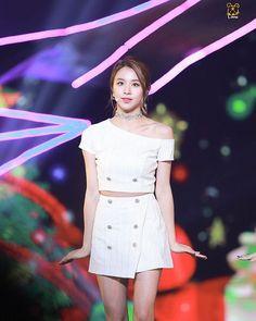 [161226 가요대전] Our petite Chaeng💓 #chaeyoung #채영 #twice #트와이스 #PrettyRapstarChaeyoung